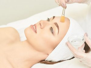Get accredited – enrol in our Chemical Skin Peel course